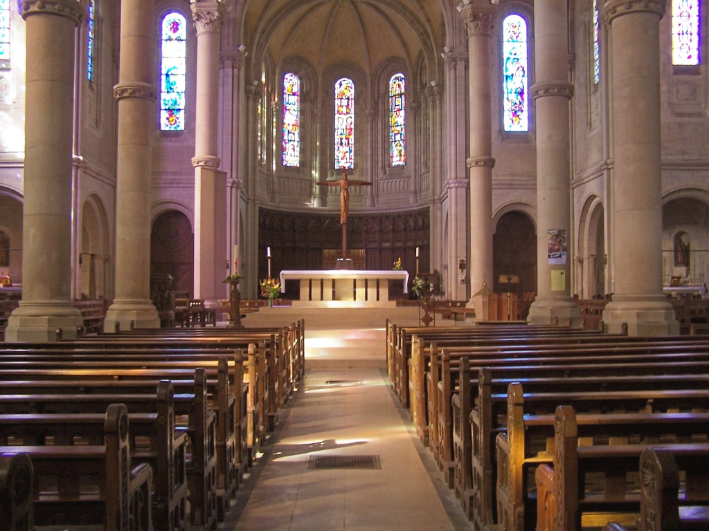 http://cdt44.media.tourinsoft.eu/upload/interieur-eglise-bouvron-e-SPRIT-2.jpg