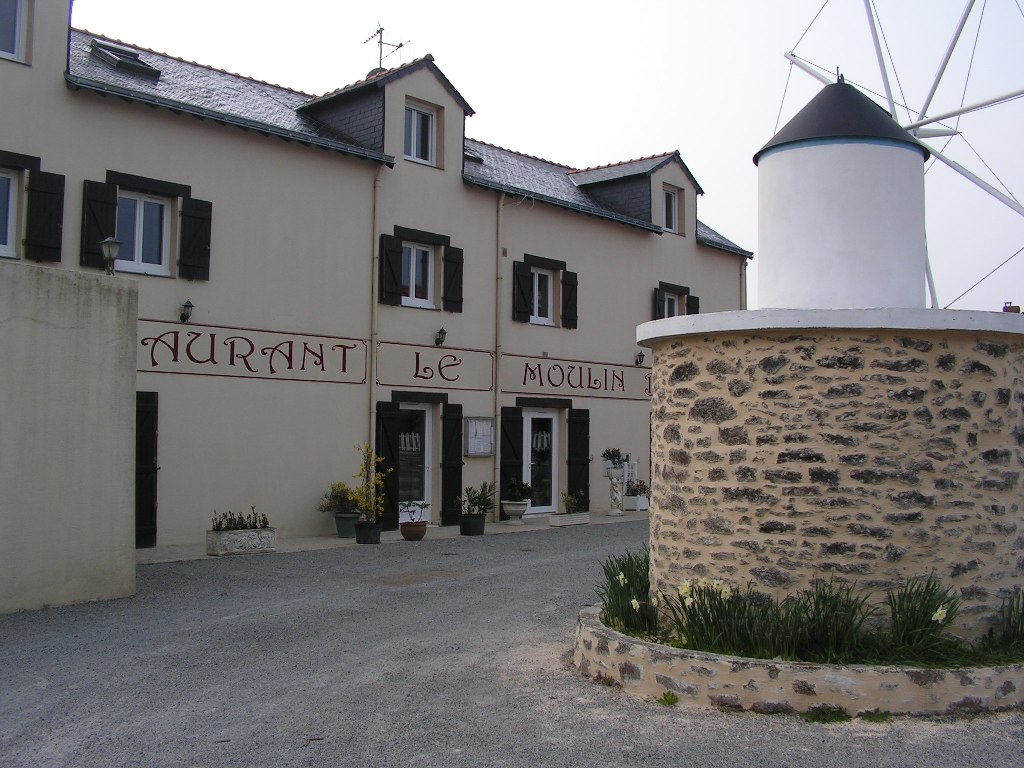 https://cdt44.media.tourinsoft.eu/upload/restau-le-moulin-blanc.JPG